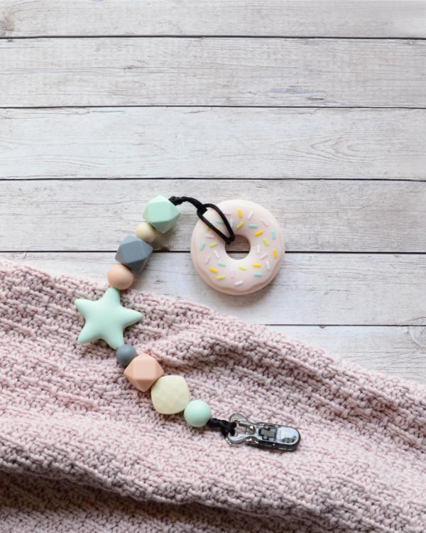 Smycz pastelowa z gryzakiem donut z lukrem (Gryzole)