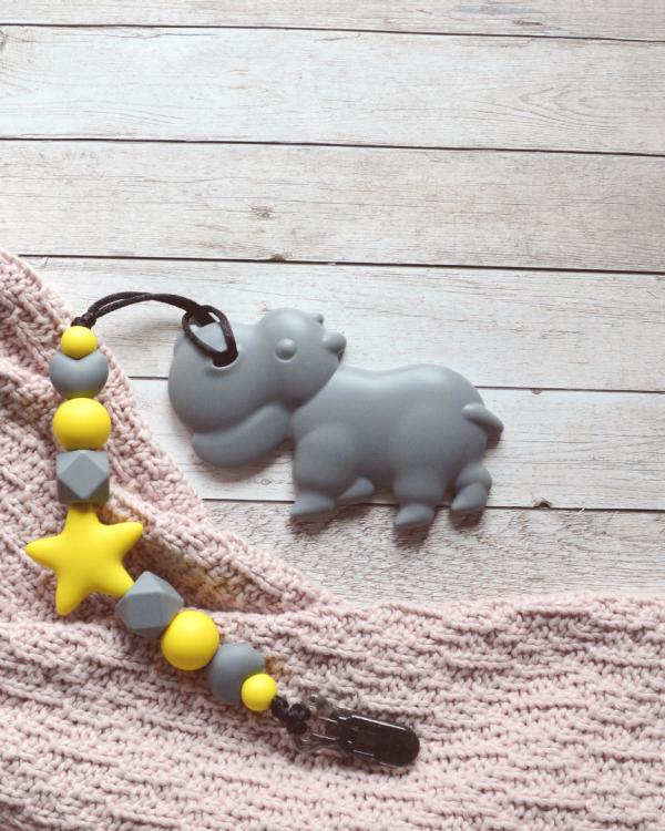 Smycz szaro-żółta z gryzakiem hipopotam (Gryzole)